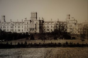 Earlswood asylum was a large building with lots of windows. This picture was taken in the early 1900s.